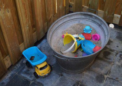mini-zandbak in tuin
