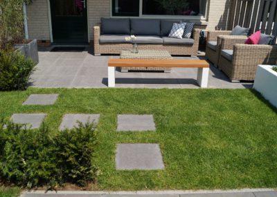 ontwerp kleine tuin Houten Utrecht - stapstenen gras