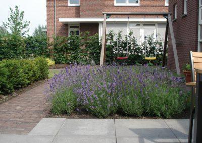 tuinontwerp met schommel voor gezin